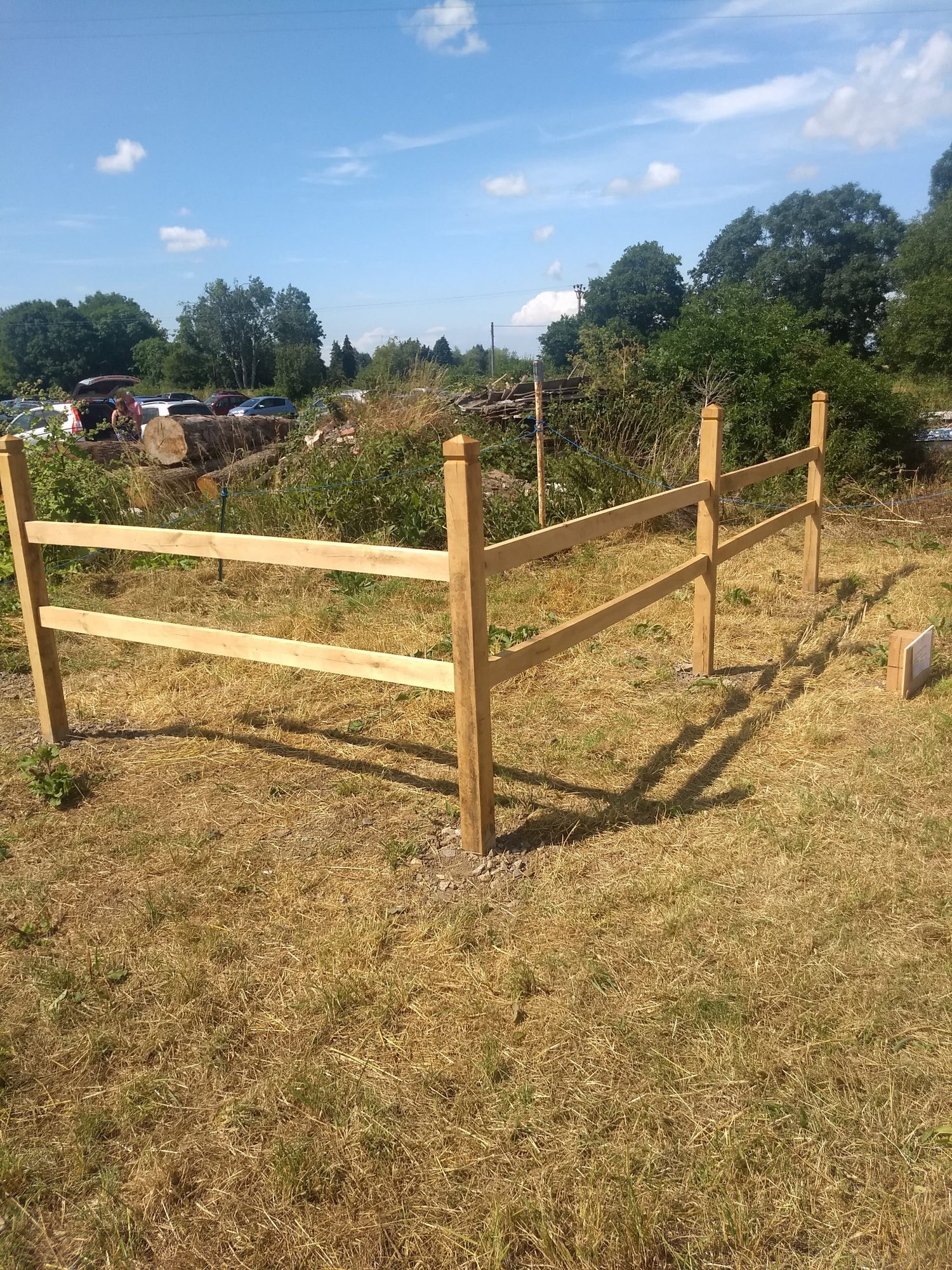 Picture of: Oak Sloted Post And Rail Fence Yandle Sons Ltd