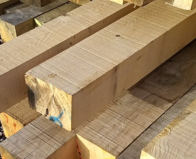 Yandles Fresh Sawn Oak Posts 200x150 Beams 3m
