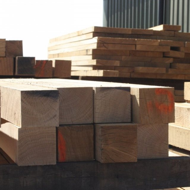 Yandles Fresh Sawn Oak Posts 125x125 Beams 3m