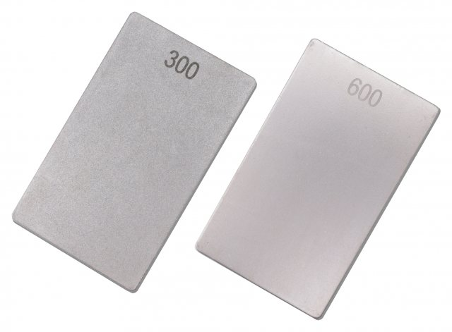 Titman Edge Professional double sided credit card stone. Fine/coarse 600/300 grit